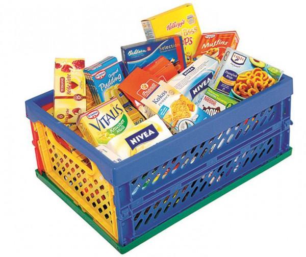 Klappbox gefüllt mit Kaufladenartikel